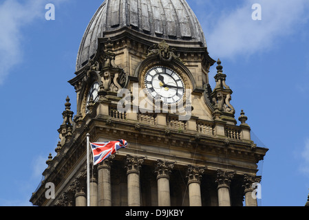 union jack flag flying from leeds town hall built in 1858 designed by cuthbert brodrick leeds yorkshire united kingdom - Stock Photo
