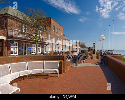 Promenade on southern beach in Wilhelmshaven, Jade Bight, Lower Saxony, Germany - Stock Photo