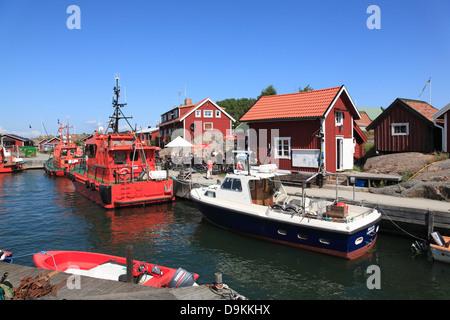 Pilot boat in the harbor of Landsort Island (Oeja), harbor, Stockholm Archipelago, baltic sea coast, Sweden, Scandinavia - Stock Photo