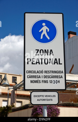 zona peatonal pedestrian area Cambrils Catalonia Spain - Stock Photo