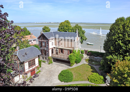 View of houses and the bay area of Saint-Valery-sur-Somme, on the northern coast of France, Europe. - Stock Photo