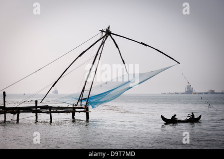 The Chinese fishing-nets of Fort Kochi in Kerala, India. - Stock Photo