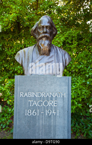 Bengali polymath Rabindranath Tagore memorial statue St Stephen's Green park (1663) central Dublin Ireland Europe - Stock Photo