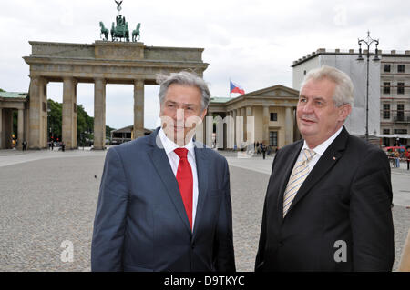 Berlin, Germany. 26th June 2013. Czech president Milos Zeman (right) and Mayor of Berlin Klaus Wowereit are seen - Stock Photo