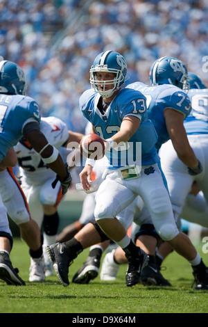 North Carolina quarterback T.J. Yates (13) at Kenan Memorial Stadium in Chapel Hill, NC on September 15, 2007 - Stock Photo
