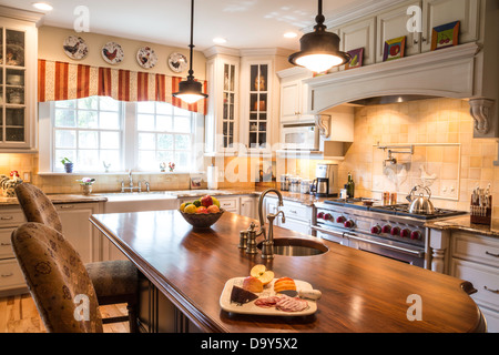 Showcase luxury modern residential kitchen, USA - Stock Photo