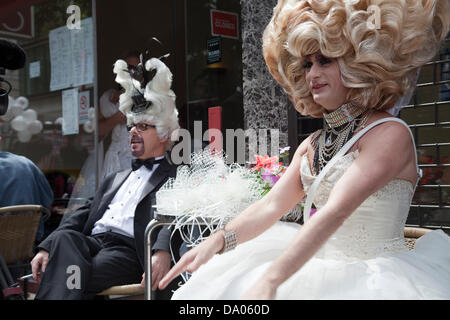 London, UK. 29th June 2013. London Gay Pride - Characters from the March having a break Credit:  Miguel Sobreira/Alamy - Stock Photo