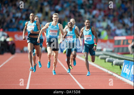 Birmingham, UK. 30th June 2013. Mohammed Aman of Ethiopia finishes 1st in the men's 800m event at the 2013 Sainsbury's - Stock Photo