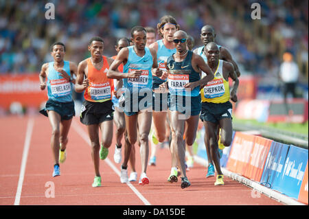 Birmingham, UK. 30th June 2013. Mo Farah of Great Britain finishes 1st in the men's 5000m event at the 2013 Sainsbury's - Stock Photo