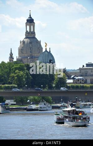 A pleasure boat steams towards the Dresden Frauenkirche on the Elbe in Dresden, Germany, 01 July 2013. The flood - Stock Photo