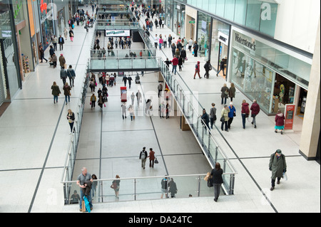 An internal shot of the busy Manchester Arndale shopping centre. - Stock Photo