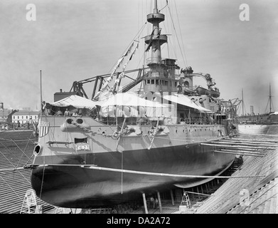 U.S.S. Oregon in dry dock, Brooklyn Navy Yard, circa 1898 - Stock Photo