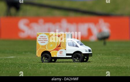 Birmingham, UK. 30th June 2013. The remote controlled Sainsburys lorry. Sainsburys Grand Prix. Diamond League. Alexander - Stock Photo