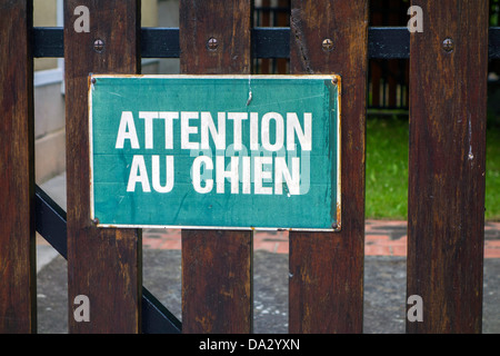 Sign, signboard, warning sign on gate, Attention au Chien, France - Stock Photo