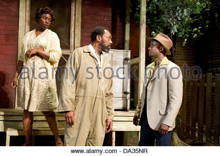 Fences by August Wilson . A Theatre Royal Bath production directed by Paulette Randall. With Tanya Moodie as Rose, - Stock Photo