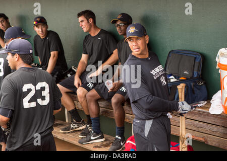 New York Yankees Alex Rodriguez before appearing in the first game since hip surgery with the minor league Charleston - Stock Photo