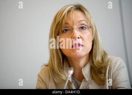 Justice Minister of Bavaria Beate Merk talks about the first Bavarian psychological therapy outpatient center for - Stock Photo