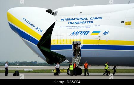 The load area of an Antonow 225 plane of 'Antonow Airlines' is opened at airport Halle/Leipzig in Schkeuditz, Germany, - Stock Photo