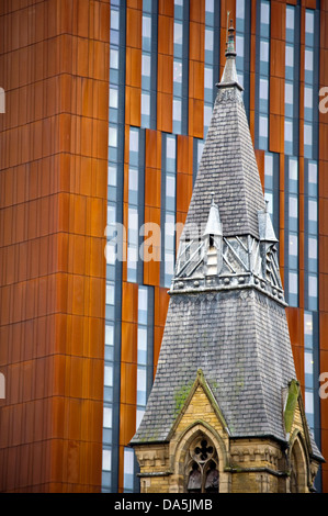Contrast Of Architectural Styles Old And New Buildings In Manchester Stock P