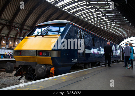British Rail Class 91113 electric locomotive main-line railway station in the city of York, Yorkshire, England, - Stock Photo