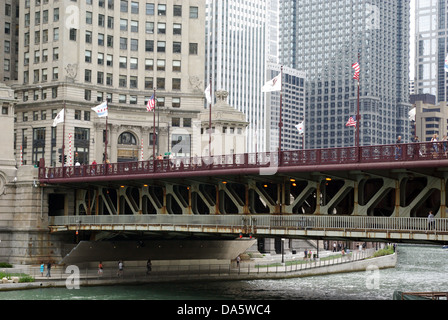Michigan Avenue Bridge - Stock Photo