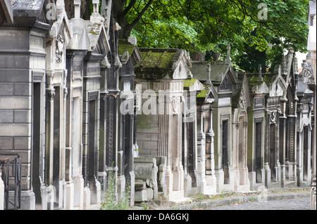 Tombs in Père Lachaise Cemetery, Paris, Ile-de-France, France - Stock Photo