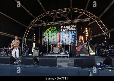 London, UK. 6th July 2013. Faith n Fury performing at the Danson Festival, Bexleyheath, London Credit:  Paul Brown/Alamy - Stock Photo