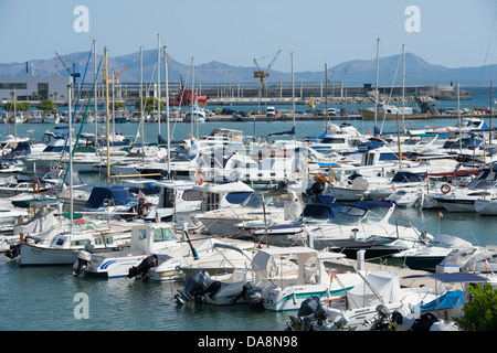Boats moored in the harbour at Puerto de Alcudia, Mallorca. - Stock Photo