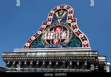 Badge of the London Chatham & Dover Railway from the first Blackfriars Bridge, London - Stock Photo