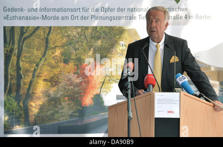 State Secretary for Culture, Bernd Neumann (CDU), speaks at the start of construction of the memorial site and information - Stock Photo
