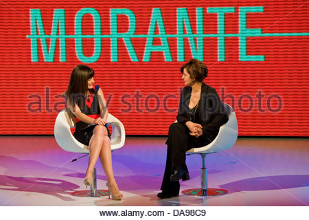 Telecast 'Quelli che il calcio'. RAI 2. Milan 2012. Victoria Cabello and Laura Morante - Stock Photo