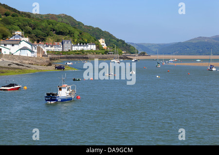 The Dyfi Estuary looking inland from Aberdyfi - Stock Photo