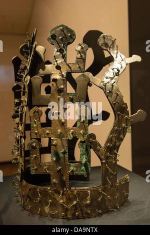 Replica Silla Dynasty Bronze Crown on display in the Gyeongju National Museum, Busan, South Korea - Stock Photo