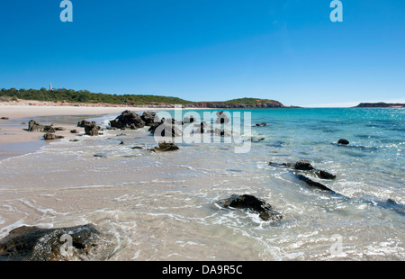 Rocks and mussel shells at the sandy eastern beach of Cape Leveque, Dampier Peninsula, Kimberley, Western Australia - Stock Photo