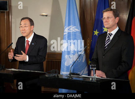 Federal Foreign Minister Guido Westerwelle (FDP, R) holds a joint press conference with UN GeneralSecretary Ban - Stock Photo