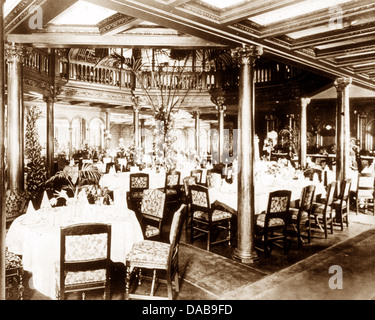 RMS Mauretania First Class Dining Saloon Early 1900s   Stock Photo