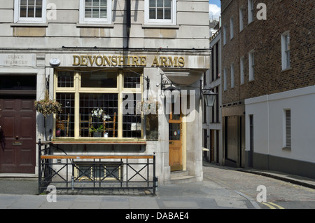 The Devonshire Arms pub in Duke Street, Marylebone, London, UK. - Stock Photo