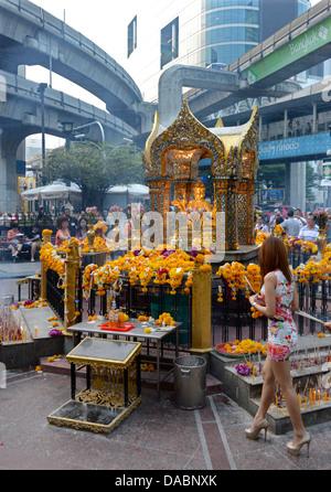 Erawan shrine, Bangkok, Thailand, Southeast Asia, Asia - Stock Photo