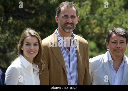 Rascafria, Spain. 10th July, 2013. Prince Felipe of Spain and Princess Letizia of Spain visit the National Park - Stock Photo