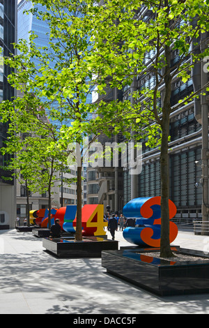 One Through Zero (The Ten Numbers) sculpture by Robert Indiana City of Londons cultural landscape project in Lime - Stock Photo