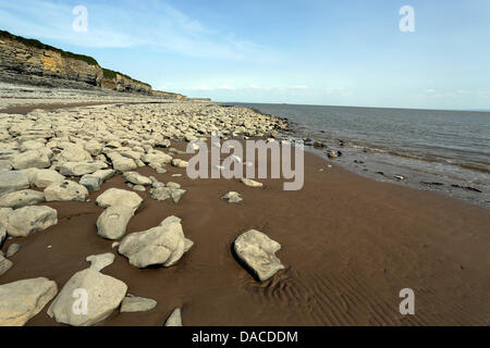 Vale of Glamorgan, south Wales, UK, Wednesday 10 July 2013  Pictured: The beach at Fontygary, Rhoose, Vale of Glamorgan, - Stock Photo