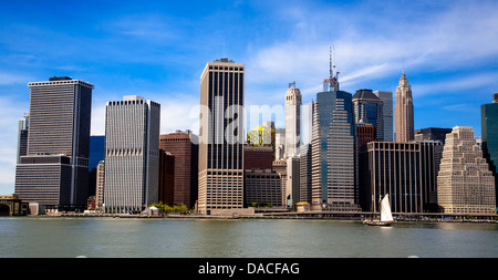 The lower Manhattan skyline from Brooklyn across the East River, NYC, USA. - Stock Photo