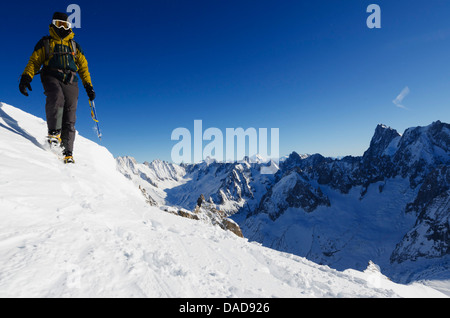Aiguille du Midi ridge, Chamonix, Haute-Savoie, French Alps, France, Europe - Stock Photo