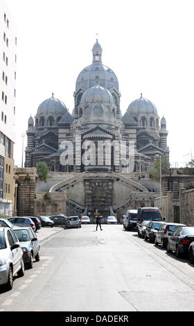 The sun shines onto the Roman Cathédrale de la Major in Marseille, France, 28 September 2011. Photo: Friso Gentsch - Stock Photo