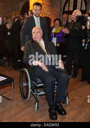 The former German Chancellor Helmut Kohl arrives to the awarding of the prize 'Pfaelzer Loewe' ('The lion of Palatinate') - Stock Photo