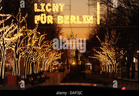 ... The boulevard Unter den Linden is decorated with thousands of lights and an installation with the & The boulevard Unter den Linden is decorated with illuminated trees ...