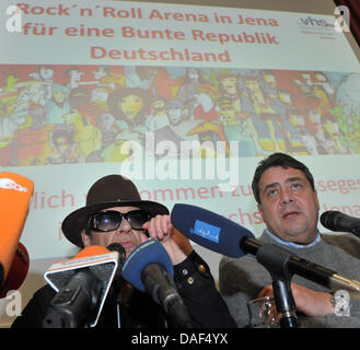 Musician Udo Lindenberg and SPD chair Sigmar Gabriel stand during a press conference in Jena, Germany, 02 December - Stock Photo