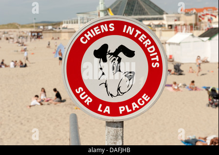 No Dogs on Beach Sign French Le Touquet France - Stock Photo