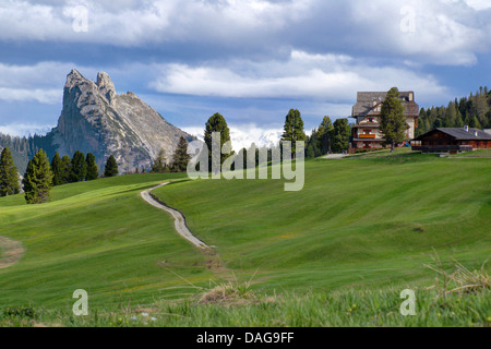 view from Plaetzwiese onto Herrstein group with Weisslahnsattel, Italy, South Tyrol, Dolomites - Stock Photo