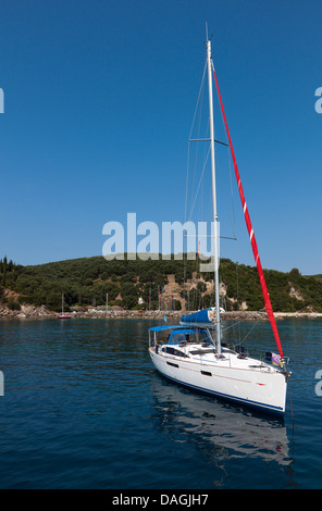 Sailing boat at Valtos beach near Parga town in Greece - Stock Photo